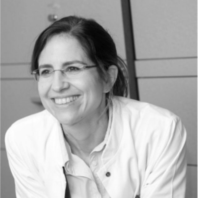 Dr. Petra Halboni-Neisius